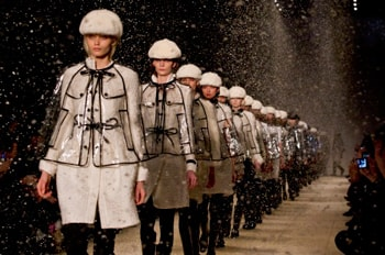 Burberry beats expectations and raise dividend 40%