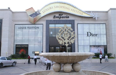 Global luxury brands opt for 'sale' route to woo customers